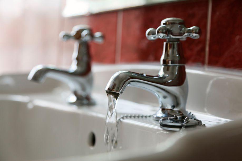 Смеситель горячая вода