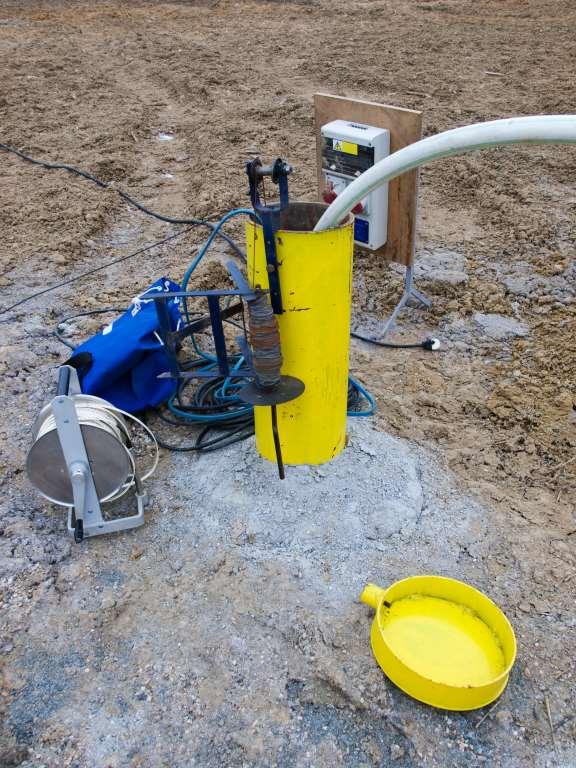 Водопровод из колодца на даче фльл